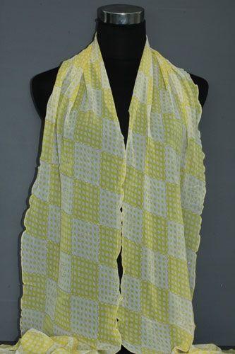 Gele sjaal met vierkantjes