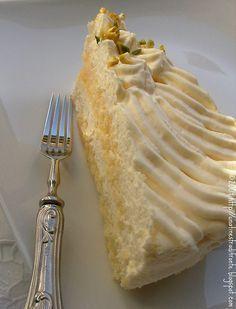 Torta tiramisù al limone by Una finestra di fronte, via Flickr