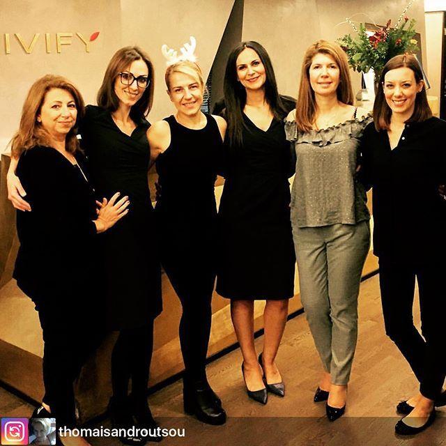 Christmas days at @vivify.gr with @thomaisandroutsou 💝 RepostBy @thomaisandroutsou : Ευεξία και ομορφιά στα Vivify!!! Μα πάνω απ´ όλα γυναίκες με ζεστή καρδιά!!!!!!! #vivify #vivifyyourself #vivifyteam #happydays😊 #christmasmoments #friendship #womenfriendship #love