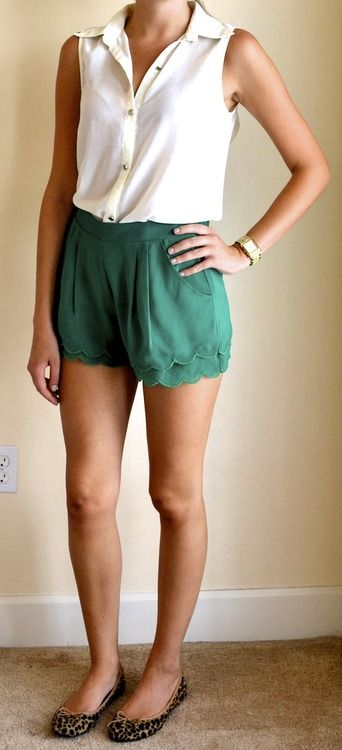 : Scallops Shorts, Fashion, White Buttons, Outfits Posts, Shorts Outfits, Summer Outfits, Green Shorts, Cheetahs Flats, Leopards Flats