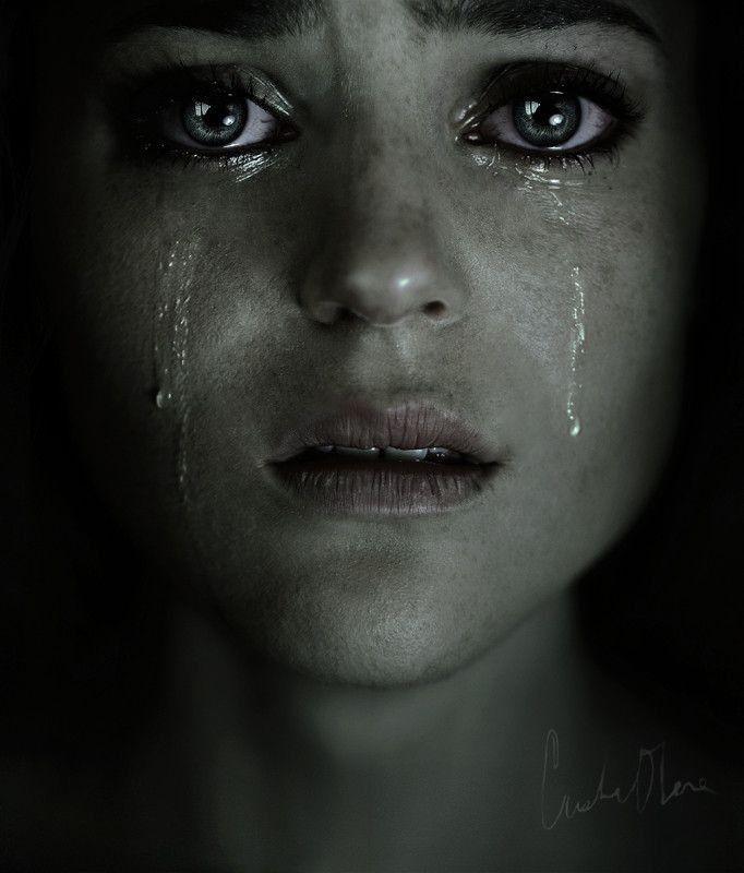 Красивая девушка плачет картинка
