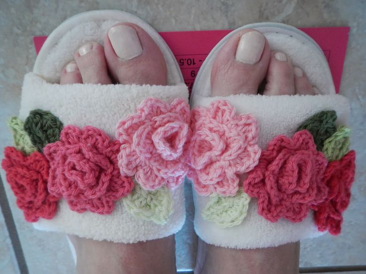24 best Crochet - Slippers images on Pinterest | Knit crochet ...