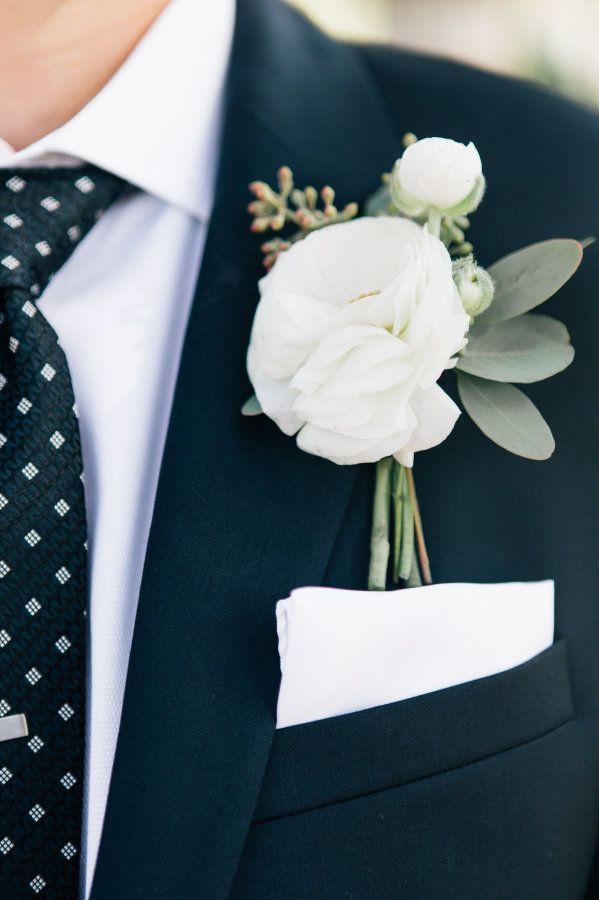 Organic white boutonniere: http://www.stylemepretty.com/california-weddings/silverado/2016/05/10/whimsical-al-fresco-vineyard-wedding/ | Photography: Jenna Bechtholt -  http://jennabechtholtphotography.pixieset.com/