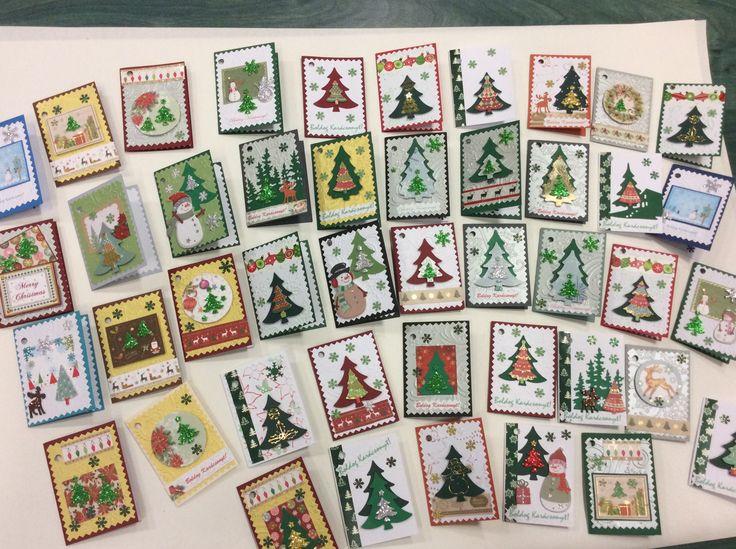 Karácsonyi ajándékkísérő