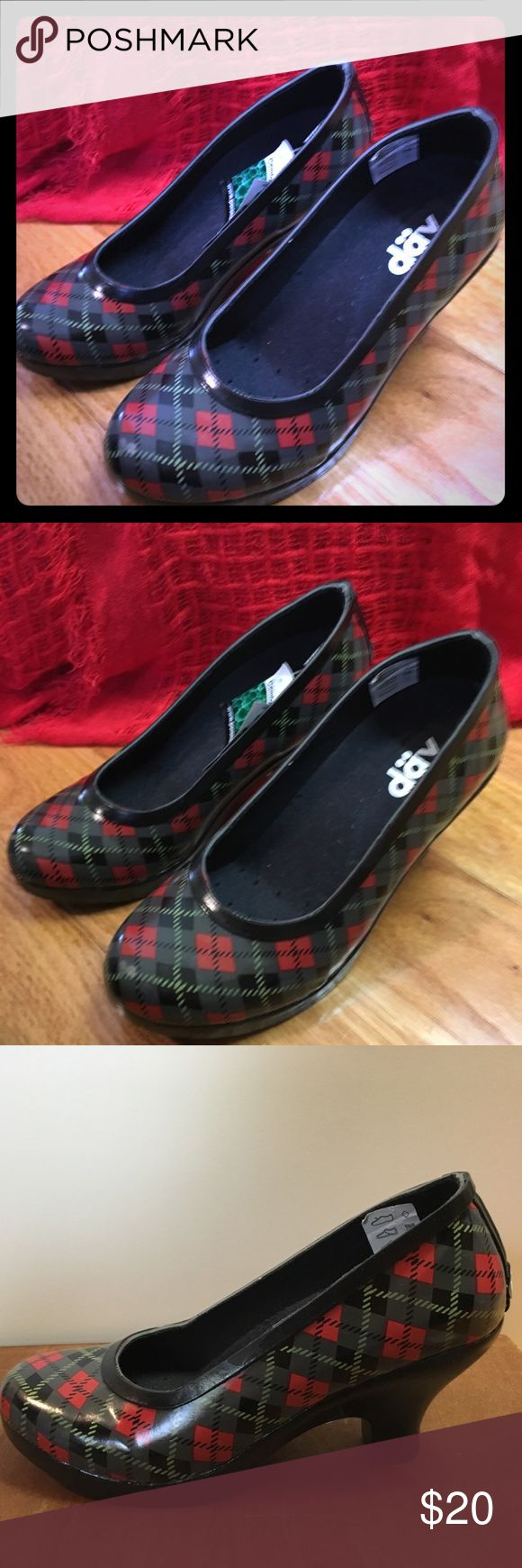 Plaid Pattern Pump by Dav Plaid pattern Pump by Dav. Never worn.  Size 6. Outside is made of a rain boot-like material. Good for rainy days when you'd rather not wear your rainboots! Dav Shoes