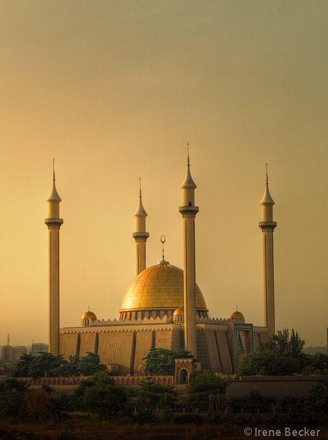 Abuja National Mosque by Iris (Irene Becker), via Flickr