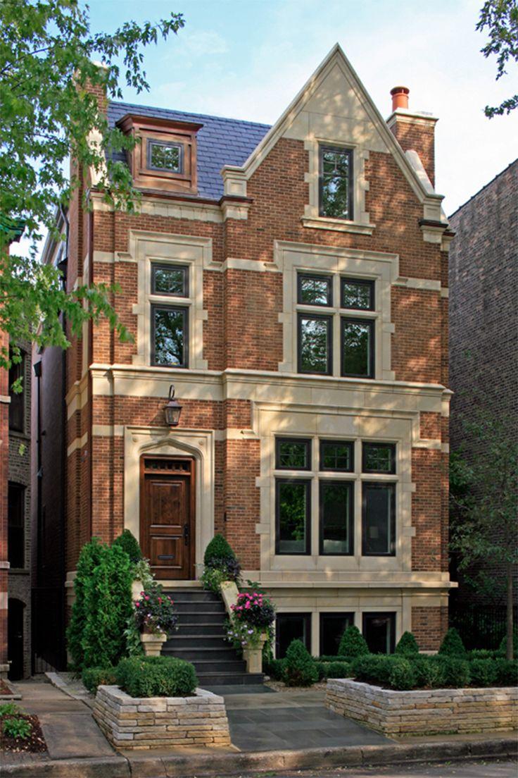 Кирпичный фасад оранжевого цвета в английском стиле