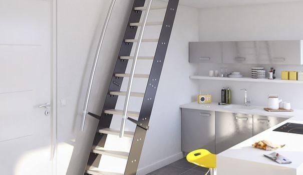 """En 2014, Lapeyre nous propose ses nouveaux escaliers """"Venise"""". Inspirés des échelles de meunier, ils sont plus ergonomiques et une bonne solution pour gagner de l'espace."""