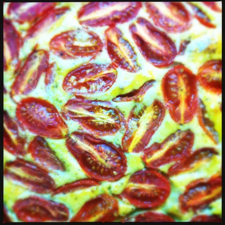 Mademoiselle: Cherry tomato tart with pesto     #cherry tomatos, #eggs, #tart http://soumada.tumblr.com/post/28200549534