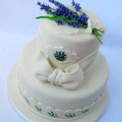 Levendulás esküvői torta