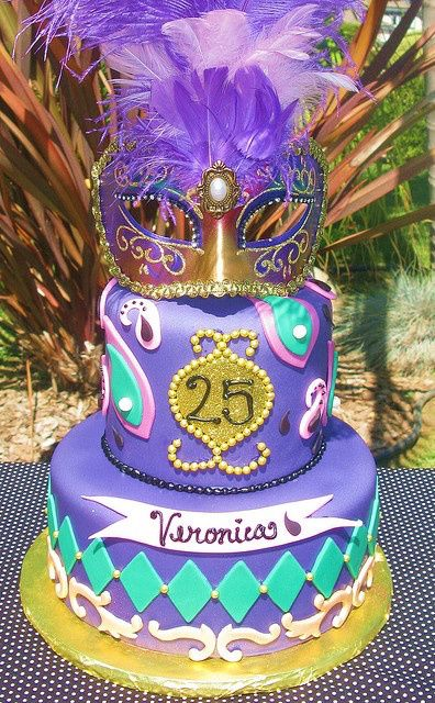 Pasteles de Fondant para Fiesta de 15 Años con temática de carnaval