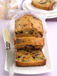 Pain / cake aux fruits secs, réalisé avec 1/4 de poudre d'amandes en remplacement d'une partie de la farine... MIAM ! A tester avec 1/2 de poudre d'amande... - Marmiton