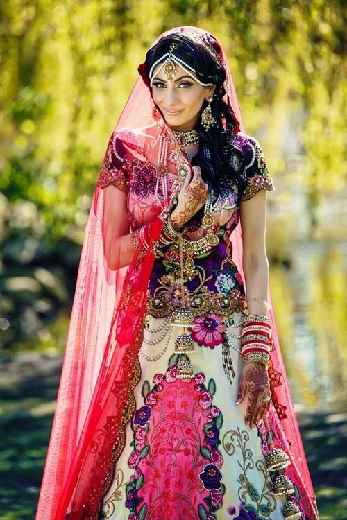 indianbazaar:  Robin & Robby's Wedding She looks so pretty and her outfit is out of this world!  Photography: Deo Studios Video: Studio 101 Hair and Makeup: Pink Orchid Studio