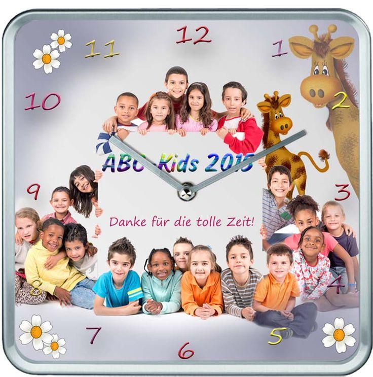 Die Geschenkidee für den Abschied vom Kindergarten : Abschiedsuhr für die Erzieherin ...individuelle Anfertigung inkl. Fotobearbeitung und Einarbeitung einzelner Fotos ins Gruppenfoto, falls beim Fototermin einzelne Kinder fehlten...zu bestellen unter www.fotouhr-online.de