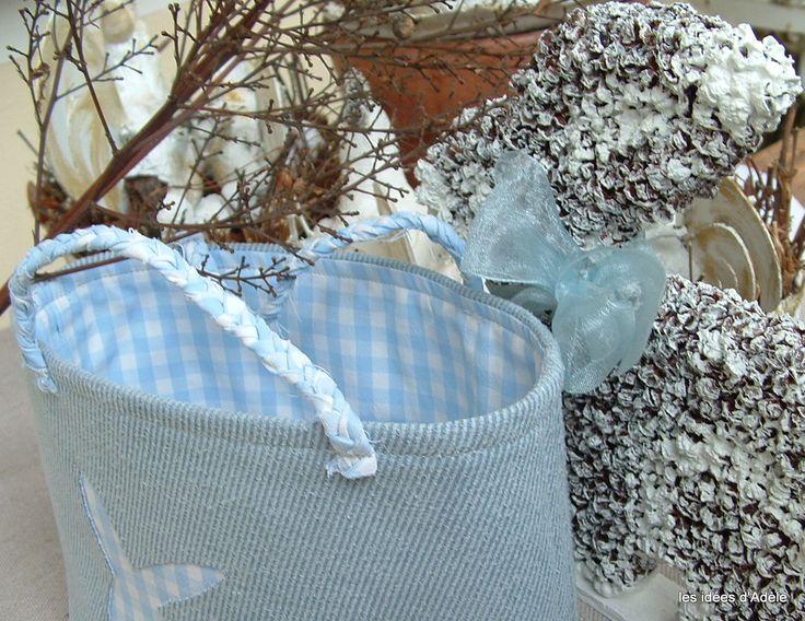 Bacche e tessuto per il coniglietto.