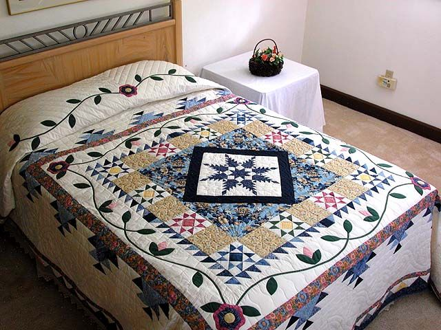 Feather Star Medallion Quilt -- great well made Amish Quilts from Lancaster (hs1019)