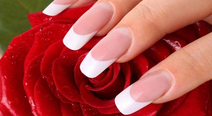 Pasos para hacerte  la #manicura francesa  http://www.bezzia.com/la-manicura-perfecta-la-manicura-estrella/