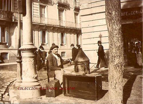 1900. Café de Cervantes en la calle de Alcalá | Flickr: Intercambio de fotos