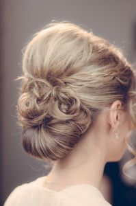 Braided Hairstyles, pinned up hairstyle, Chignon, bridal hairstyle, bridal hairdo, up-do  Hair-Stylist: Silke Kamchen  www.pueppikram.de