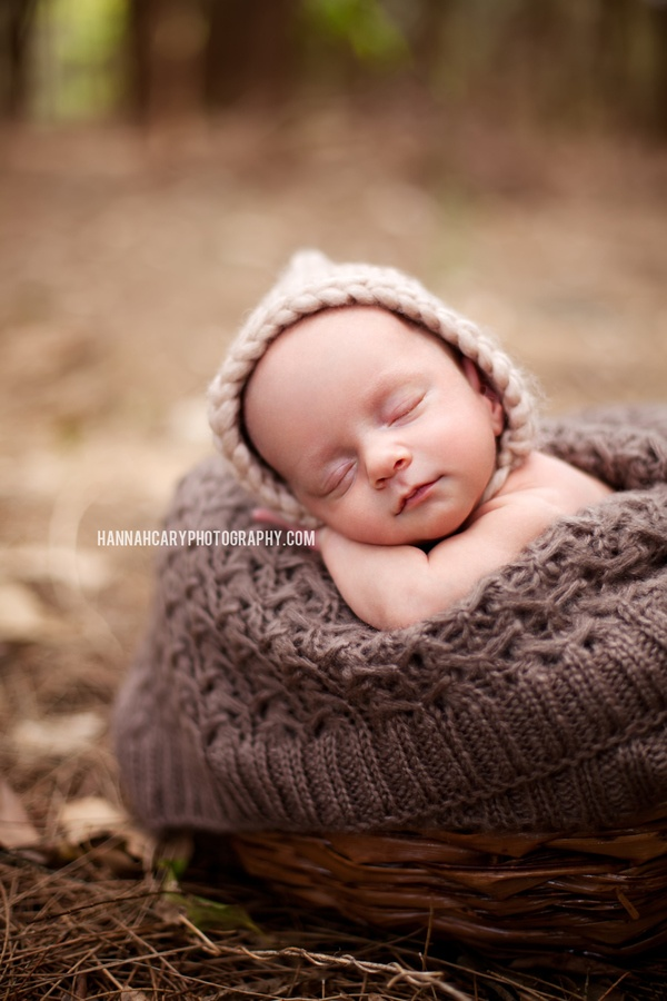 Outdoor newborn by hannah cary via 500px
