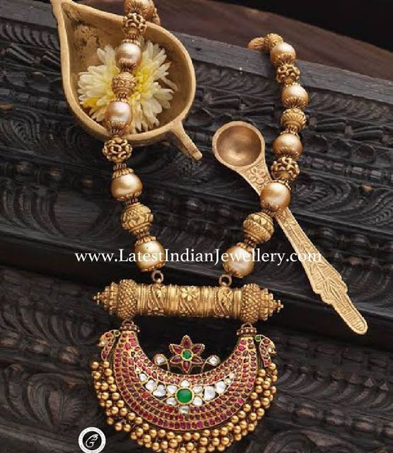 Pearl Beads Necklace Chandbali Pendant