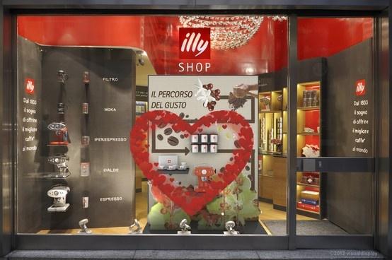 ILLY SHOP Galleria San Carlo MI  Vetrina San Valentino