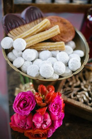 Mexican wedding desserts | by Petronella Photography | see more on: http://burnettsboards.com/2014/05/mexican-wedding-traditions/
