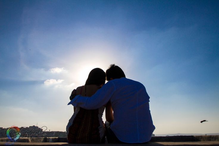 The blue skies, the rising sun and lost in love!!  Candid couple shoot in Pune