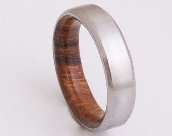 Titanium and Olive Rings // Mens Wood Rings by dimaltagioielli
