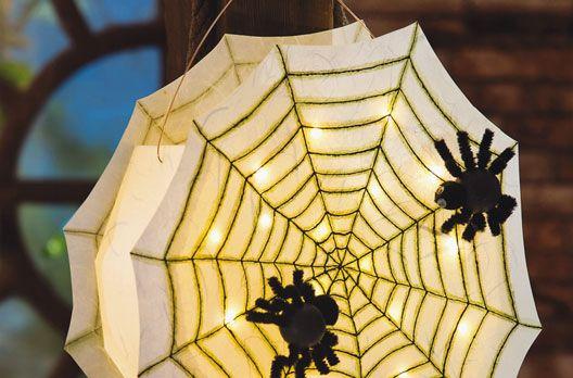 Spinnennetz-Laterne