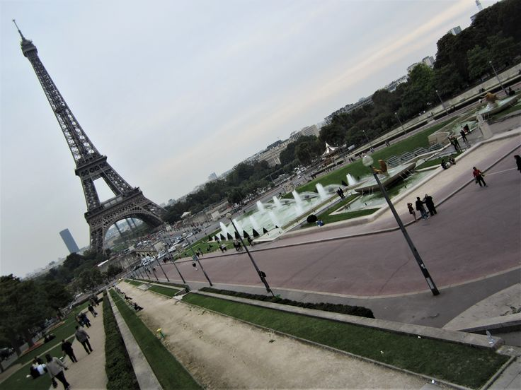 What to see in Paris? The Champs de Mars!