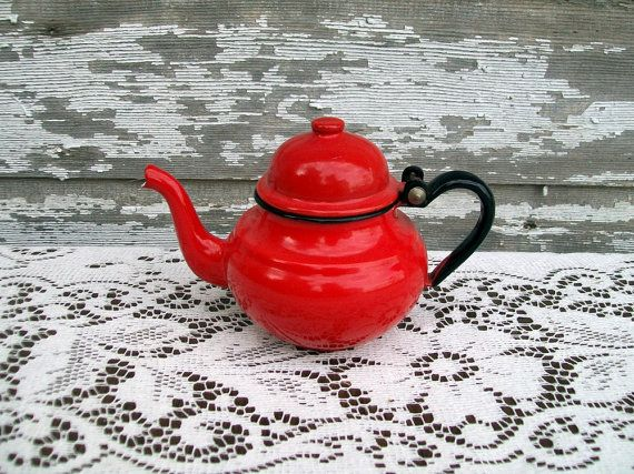 cheery little teapot