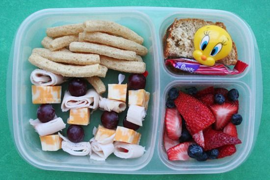 Like the little 'kabobs' of turkey and cheese!: Kiddo Kabobs, Style Lunches, Lunch Boxes, Kids Call, Kid Snacks, Quinn S Lunches, School Lunches, Kids Snacks Meals, Kiddo Lunches