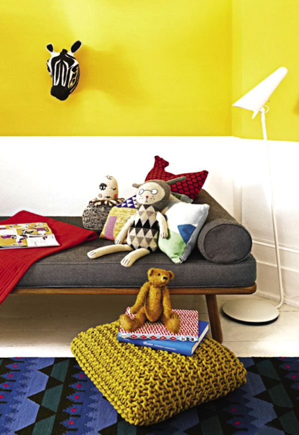 einrichtungsideen farbideen kinderzimmer gelb weiße wand sofa