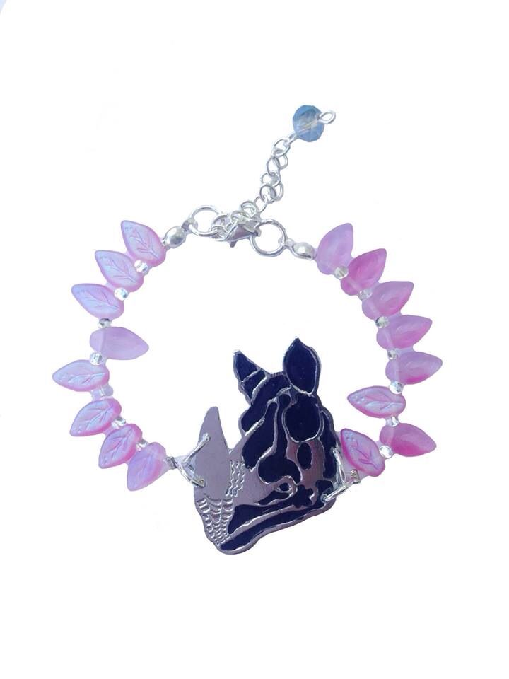 Puedes conseguirlos en www.facebook.com/lecat.accesorios. Collar rhino! Necklace. Accesorios ecosostenibles.