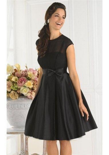 Wunderschöne kleid aus Brautsatin und Tülle. Vorne mit ein sehr dekorative Schleife und hinten teilweise offen . das Kleid ist ein echte Hingucker. Gr: 34-44 oder nach Maße. länge ab der taille 50-60cm kann aber nach Wunsch verlängert werden.