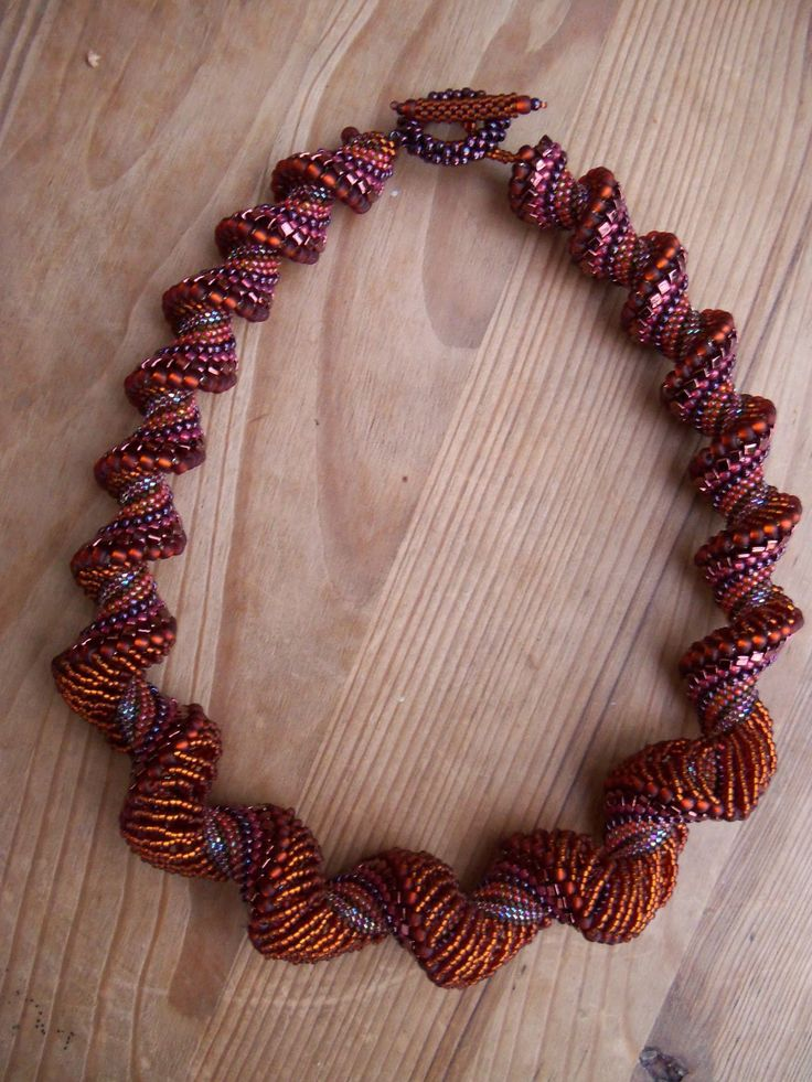 Dutch spiral beautiful color25 10 Dutch, Beautiful Colors, Beads Necklaces, Beads Spirals, Beads Things, Beads Jewelry, Dutch Spirals, Een Dutch, Spirals Beautiful