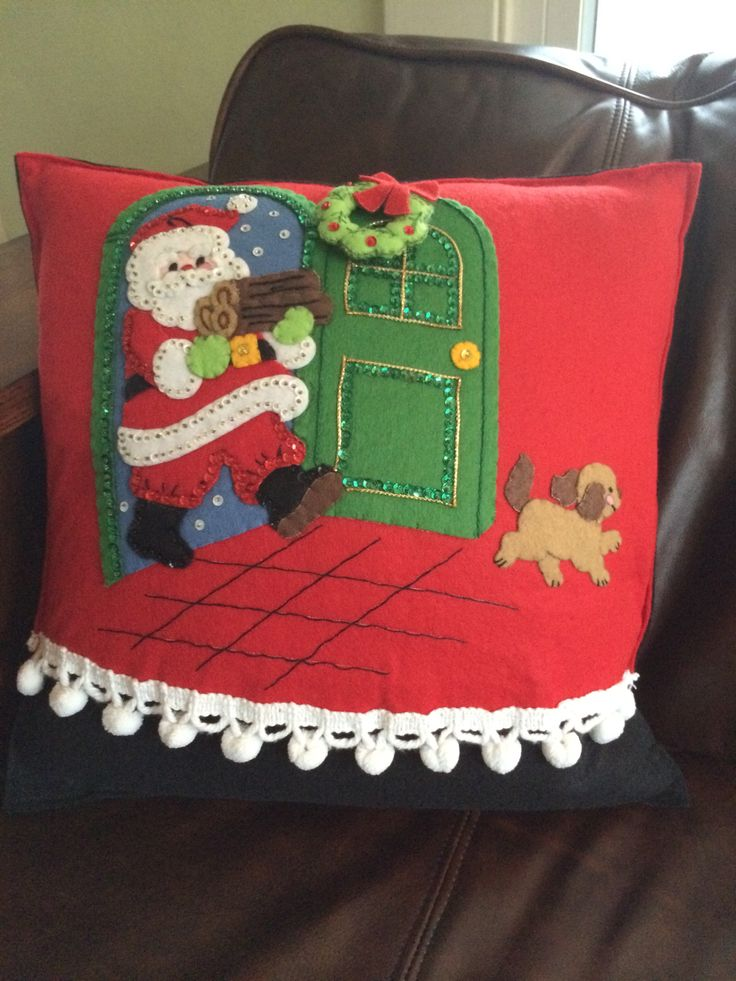 Vintage Christmas Tree Skirt turned into Pillow Bucilla felt sequins BLING jeweled