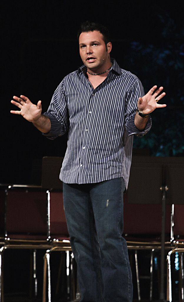 Religious Provocateur and Hypocrite Pastor Mark Driscoll Tells Christians to 'Stop the In-fighting'
