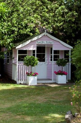 Pretty little pink garden cottage :: shed :: outdoor playhouse for the kids