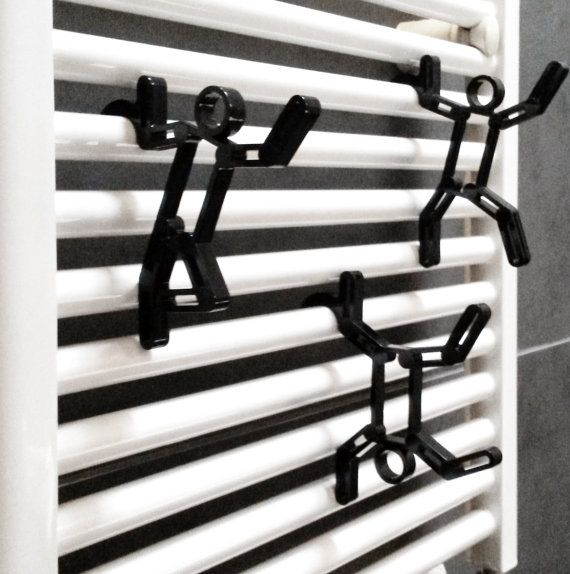 SOB presents SOBman, the design Hangers for Towel Warmers entirely made of recycled Acrylic, available in black or transparent version. SOBman is a set of three different hangers of minimal and modern design that, at the same time, decorate and make the bathroom more functional. The packaging, functional and esthetically modern, is obtained by the negative of the silhouette of the towel hangers and a neutral polypropylene sheet, and makes this piece of furniture an original gift idea.