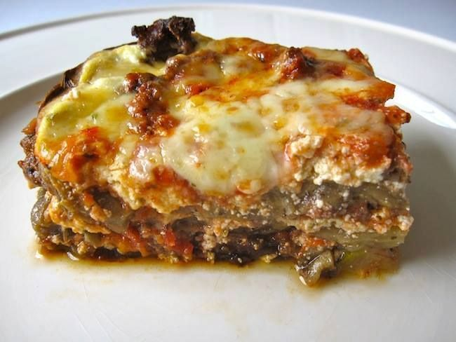 Looking for a low-carb dinner to satisfies your Italian food craving? Look no further! This lasagna is perfect in the summer with your garden-fresh veggies and herbs, or in the winter when you need a comforting meal. You won't even miss the noodles in this one! The lasagna can be assembled a day ahead and …