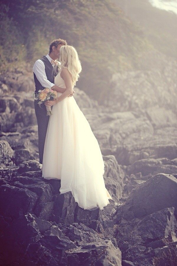 Ivy & Aster, Duchess Tulle Size 0 Wedding Dress For Sale | Still White Australia