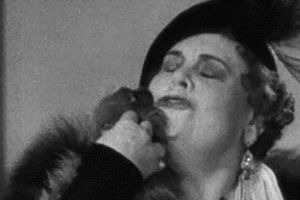 0 marie dressler licked by a tiny dog in Dinner At Eight