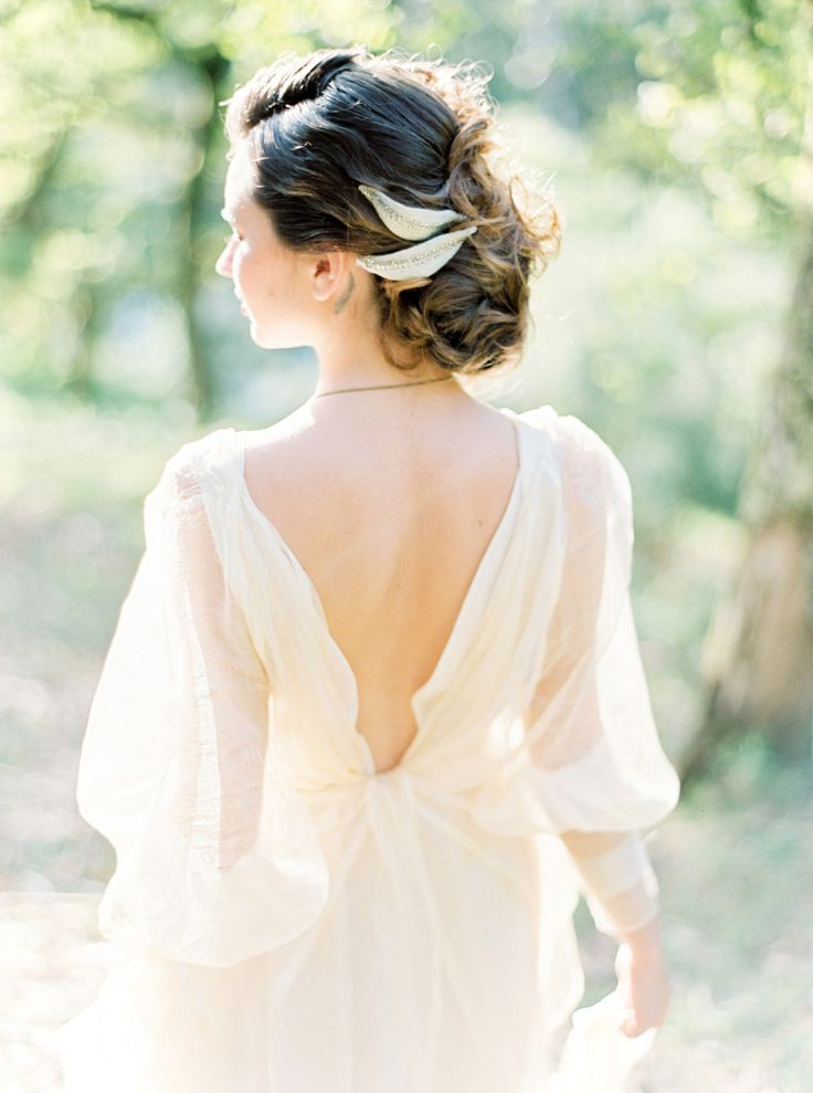 low back wedding dress - blue sky wedding palette | fabmood.com