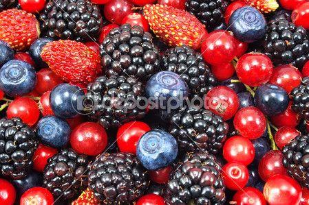 Различные свежие ягоды как фон — Стоковое изображение #13293845