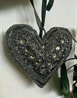 Stort Perlebroderet Hjerte