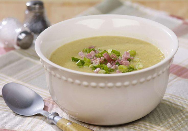 Recette d'une chaudrée de maïs et de pomme de terre, une soupe consistante et réconfortante. Seulement 0,87$ par portion.