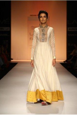 Payal Singhal Dresses Collection - Long Anarkali - Vintage Indian wedding - Vintage Indian bride - sangeet outfit - wedding anarkali inspiration - Indian couture #thecrimsonbride