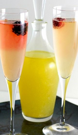 Limoncello-Champagne Cocktail